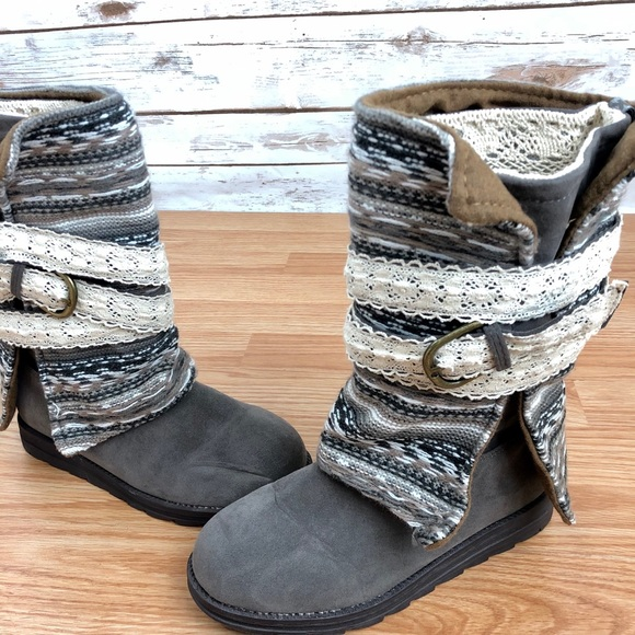 Muk Luks Nikki Wrapped Boot Gray Size 6